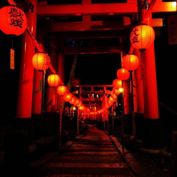 まるで千と千尋の世界観!伏見稲荷大社「本宮祭」が幻想的で行ってみたい人が続出 - Spotlight (スポットライト)