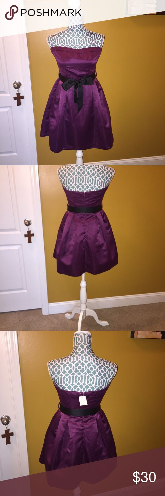 Formal Mini Dress Perfect for Middle School Dance or Prom Formal Mini Dress, Purple with black belt.   New with tag Dresses Mini