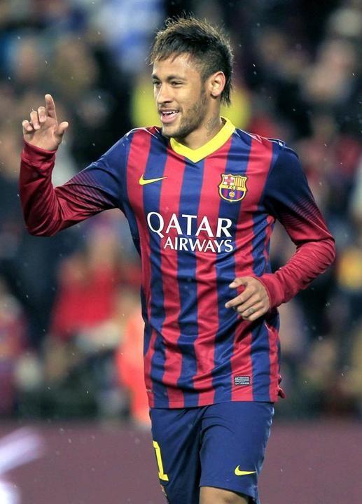 GRA411. BARCELONA 26/03/2014.- El delantero brasileño del FC Barcelona Neymar da Silva celebra el primer gol de su equipo ante el Real Club ...