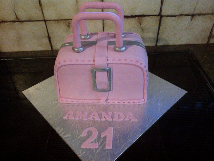 Handbag themed birthday cake for a 21st, expertly made by Altefyn Cakes