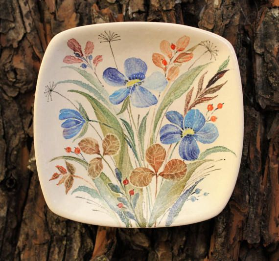 Hey, I found this really awesome Etsy listing at https://www.etsy.com/ru/listing/516796295/decorative-plate-wild-flowers