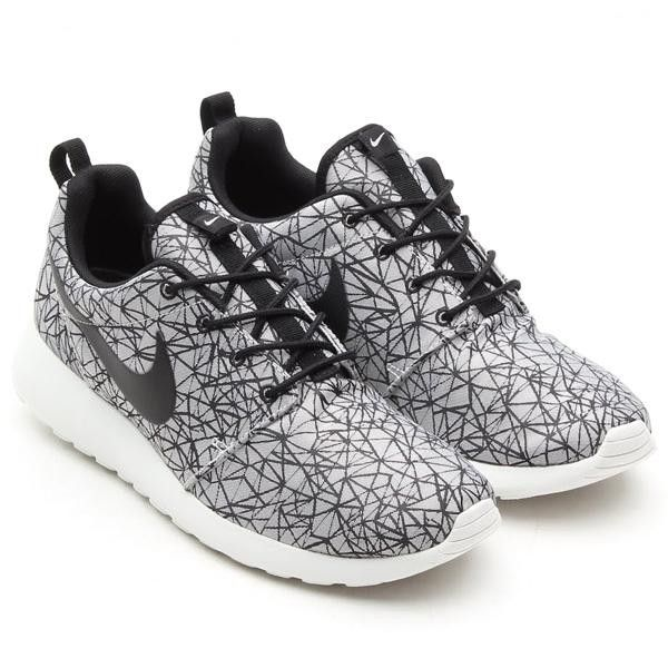 Nike Roshe Run Chaussures Anthracite Et Gris Loup Chaussures ventes  spéciales