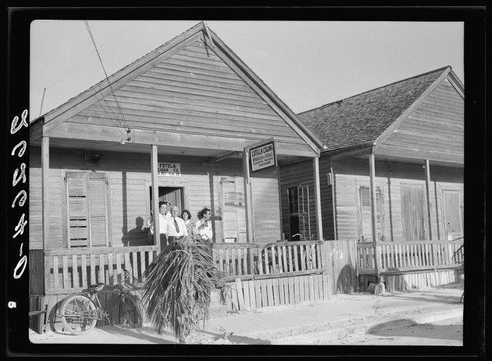 Old cigar makers cottages in #KeyWest,FL 1938 - photo by Arthur Rothstein, Library of Congress