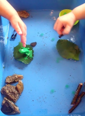 Tadpole Pond in Water Table-how to make the tadpoles!