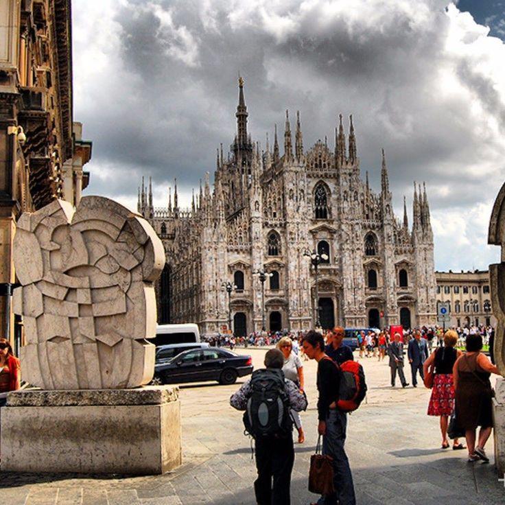 La Catedral de Milán más conocida como Duomo. #Duomo #Milano #Travel . . . . . . . . . . . . . #europe #italy #instatrip #instagramanet #instatag  #moodoftheday #photography #photooftheday #travel #traveling #travelgram #travelling #travelingram #traveler #travelphotography #traveltheworld #travelblog #instatravel #vacation #vacations #vacationtime  #visiting Visit www.jluislopez.es