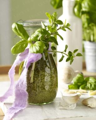 Deko-Idee: Pesto im Weckglas