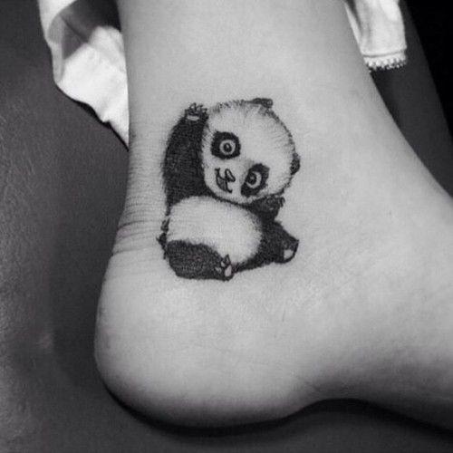 Dolcissimi tatuaggi coi panda: foto e significato
