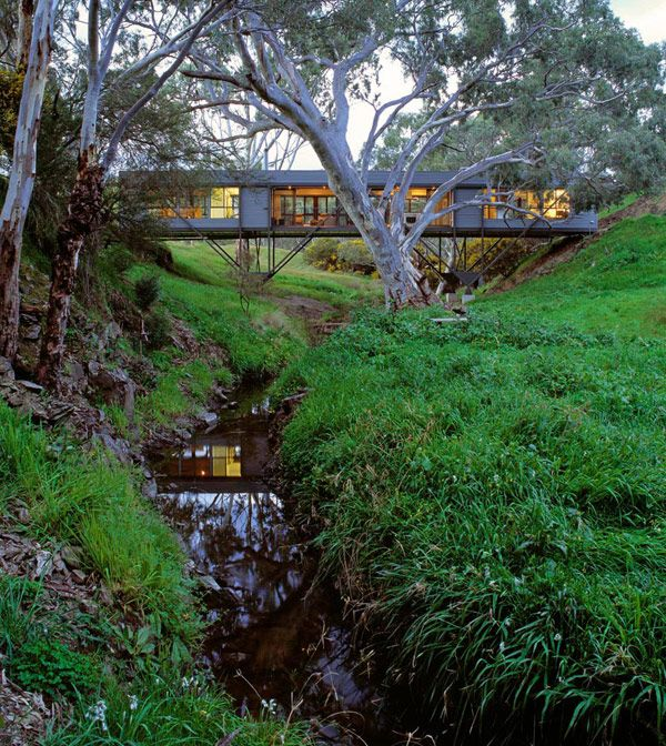 "Australian Architect ""Bridges"" the Gap between Innovation and Architecture – Bridge House | Modern House Designs Max Pritchard"