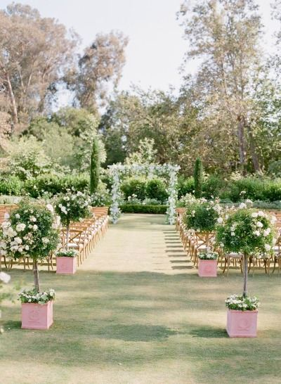 Gorgeous ceremony | Photography: Jose Villa - http://josevilla.com/ | Have a garden theme wedding - Raspberry And Gold Wedding Colour for Garden Theme Dream Wedding | https://www.fabmood.com/raspberry-and-gold-wedding-colour #gardenwedding #gardentheme #weddingtheme