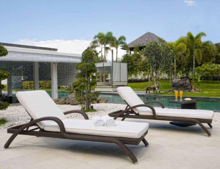 Шезлонги из синтетического ротанга - это удобная и практичная мебель для летнего отдыха, которая подходит как для частного сектора так и санаториев, отелей, бассейнов либо спа-салонов. Эта мебель удобна не только в плане современного дизайна, но и обладает рядом практичных свойств: лёгкий вес мебели обеспечивает структура из алюминия толщиной 1,4 — 2,4 см.- с таким каркасом мебель не хлопотна в уходе и перемещении, её можно мыть из шланга и быстро сушить, переносить с улицы в помещение или…