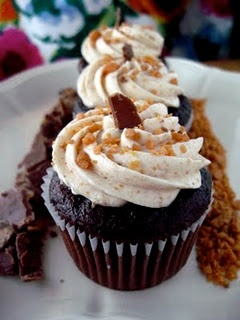 Butterfinger cupcakes! Trev would love these