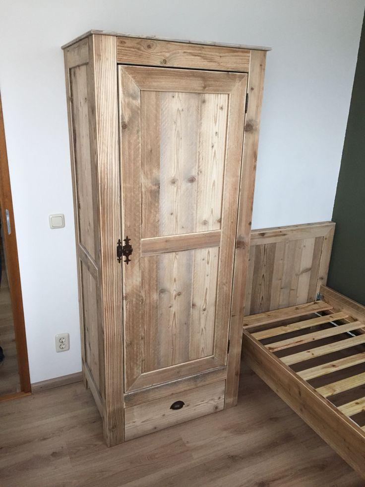 90 beste afbeeldingen over made by hout vast hout sloophout staal steigerhout op pinterest - Hoogslaper met geintegreerde garderobe ...