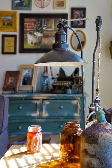 今日は、温かみたっぷりの イギリス風カントリー の作り方について。           カントリー風家具の選び方: