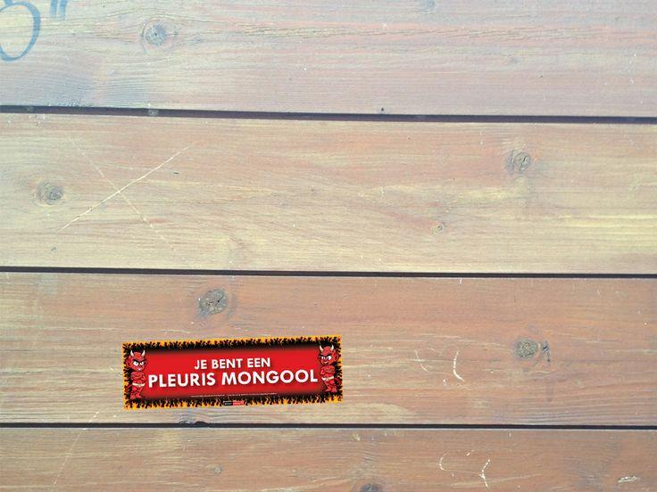 #Ruzie met de #buren?  Plak dan deze #Sticky #Devil op de #schutting van de #buren.  http://www.stickydevils.nl/