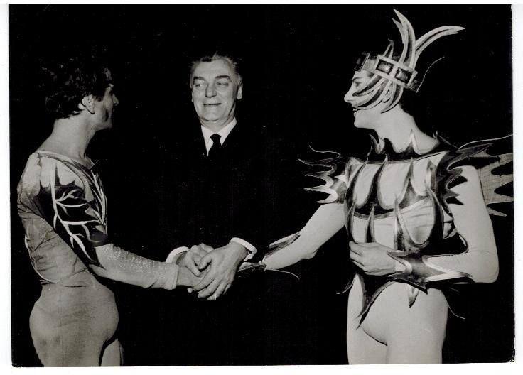 il coreografo Aurelio Millos tra Vittorio Biagi e Paolo Bortoluzzi-Teatro  Royal de la Monnaie Bruxelles-1963 Ballet du XX siecle