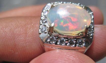 Gambar batu opal