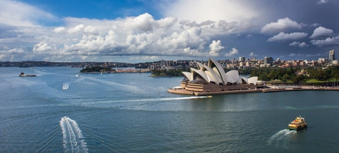 Sydney Blues - A storm hovers on the horizon over Sydney Harbour