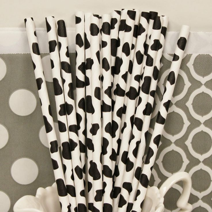 COW PRINT Paper Straws for FARM Parties, 25 Black Cow Print Paper Drinking Straws with  Diy Flags, Farm Animals, Birthday Party