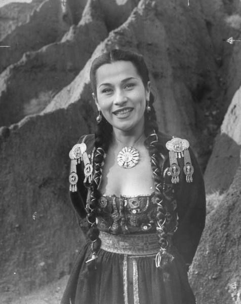 A Queen of Pentacles! Singer Yma Sumac, a descendant of Atahualpa, the last Incan emperor, 1950s