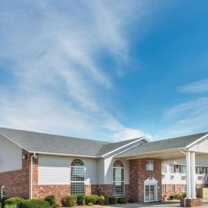 Super 8 Jerseyville: 1303 STATE HIGHWAY 109,JERSEYVILLE,IL,62052 #Hotels #CheapHotels #CheapHotel