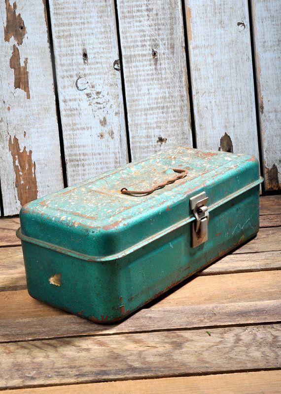 vintage-rustic-metal-tool-box-handle