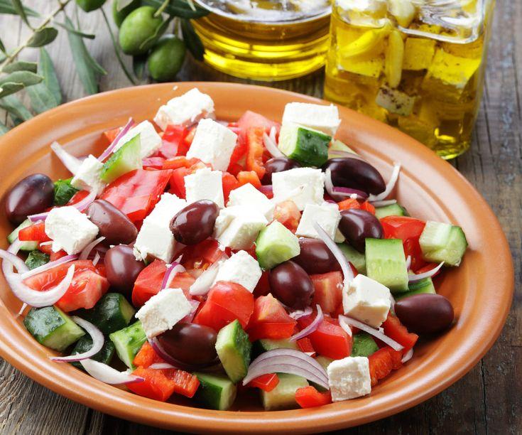 http://femina.hu/recept/gorog-salata-recept/
