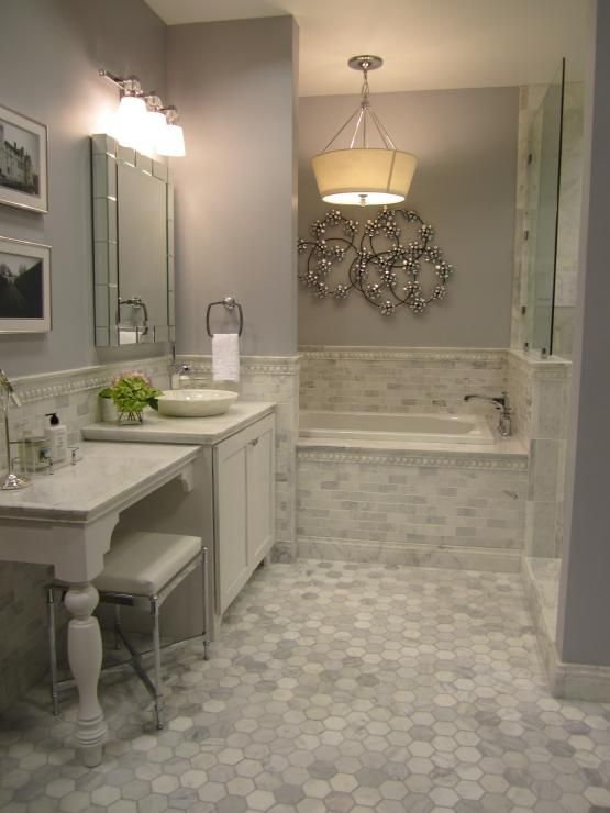 beautiful-- love the floor tilesGrey Bathrooms, Masterbath, Subway Tile, Marble Bathrooms, Colors Schemes, Bathroom Ideas, Master Baths, Gray Bathroom, Gray Painting