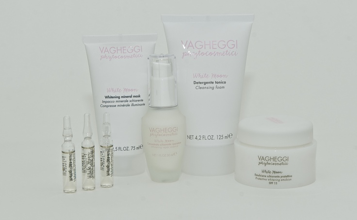 White Moon - Brightening and smoothing lines. Brighten, Whitens & Tightens