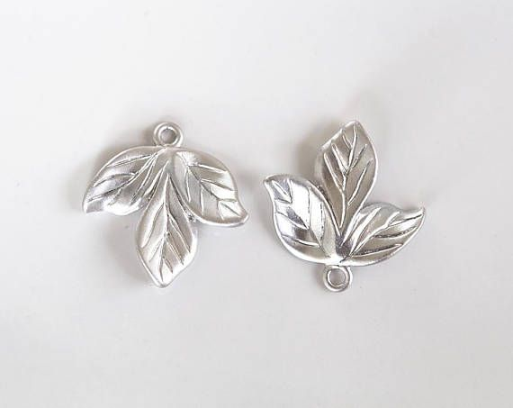2723 Silver leaves connector 22 mm Rhodium plated leaves