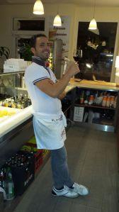 Geschichte http://www.tuttomatto.de/de/geschichte/ #August #Idee #Küchenchefs #Giuseppe #Lillo #Eröffnung #Menge #Tumult #Herzlichkeit #Glückwünsche #Freunden #Familie #Bekannten #Passanten #Pizzabäcker #Meister #Leidenschaft #Profession #Chef #Geschäft #Kreuzberg #multikulturellen #Tourismuszentren #Stadt #Berlin #TuttoMatto #Italia #TuttoMattoItalia