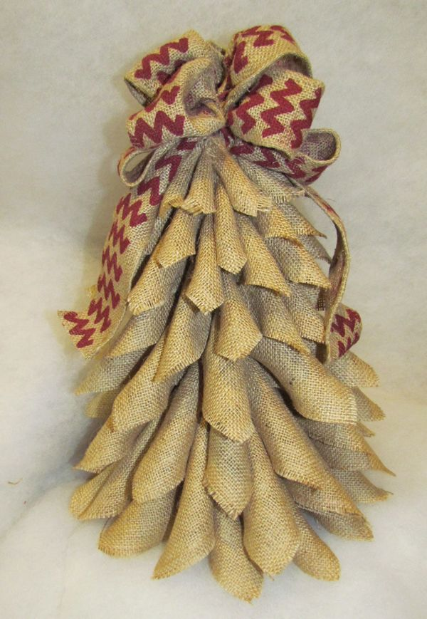 Tut  Cutest Little Burlap Christmas Tree EVER!