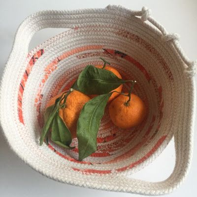 Running With Rocket: Simple Round Clothesline Bowl Tutorial aka Rope Bowls