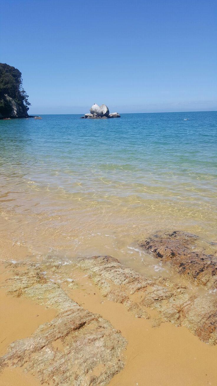 Split Apple Rock - Abel Tasman