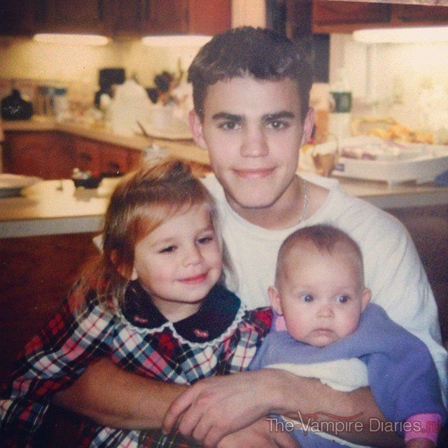 Paul with his sisters in younger days. | paul wesley ...