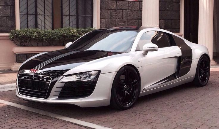 For Sale 2009 Audi R8 V8 click link for Price and other details https://www.autotrade.com.ph/carsforsale/2014-audi-r8-v10-spyder/