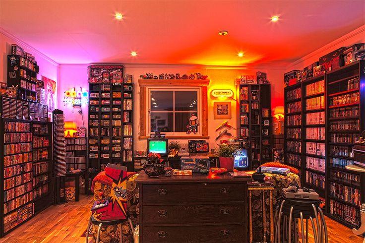 The Game Library Layout Design, Design Café, Interior Design, Design Ideas, Game Room Decor, Room Setup, Living Room Small, Deco Gamer, Sabre Laser