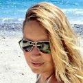 Manuela Bertaglia Si occupa dei servizi amministrativi e contabili dello studio vetrinistico d'immagine.