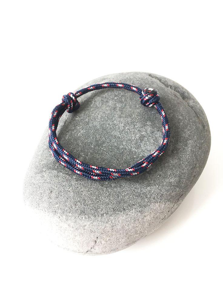 Bracelet Cordon BLEU MARINE en drisse Bracelet unisexe & ado Bracelet nautique Marin Minimaliste Escalade Collection Bijoux 2016 2017 de la boutique BBSdeParis sur Etsy