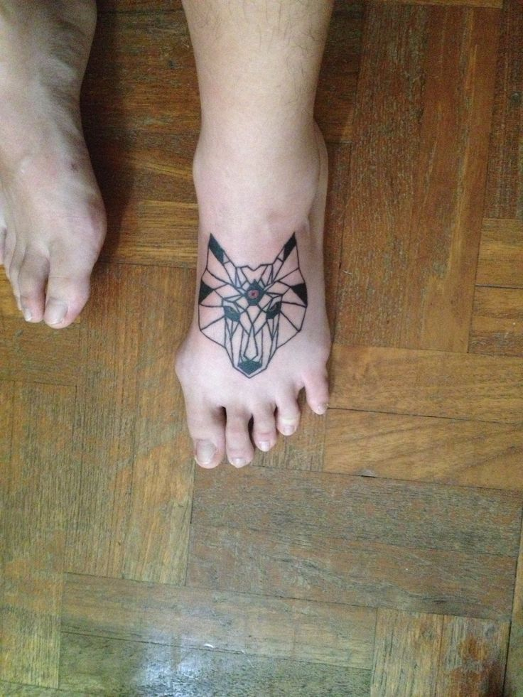 Geometric wolf tattoo | Ink | Pinterest | Wolves, Wolf ...