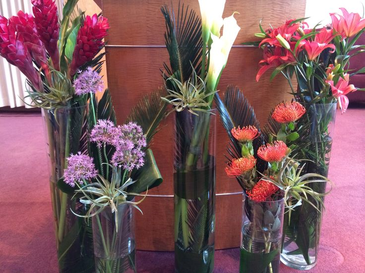 Ditch ordinary Bimah Flowers! Create structured, elegant flowers for a Bar or Bat Mitzvah occasion. Deerfield, IL