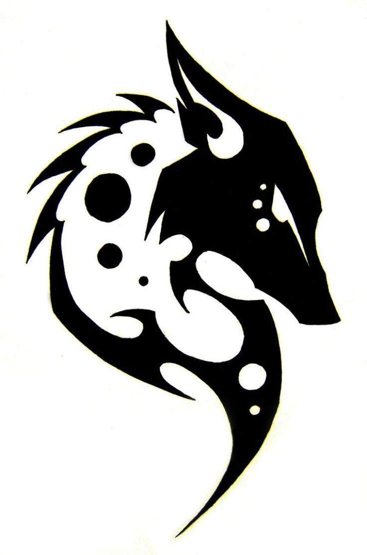 Wolf Tattoo Vorlage mit Tribal Look