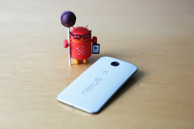 Epenkah.com - Google baru saja memperkenalkan sistem operasi terbaru mereka Android 5.0 yang dikenal dengan nama Android Lollipop. Bersamaan dengan itu ternyata Google juga memperkenalkan produk terbaru mereka Nexus 6 yang sejatinya juga ponsel pintar pertama yang mendapatkan sistem operasi ini. (baca juga: Android Terbaru 5.0 Telah Resmi Diperkenalkan) Google memperkenalkan secara dekat Nexus 6 melalui sistus resmi mereka di www.google.com/nexus. Google Nexus 6 adalah ponsel Android dengan…