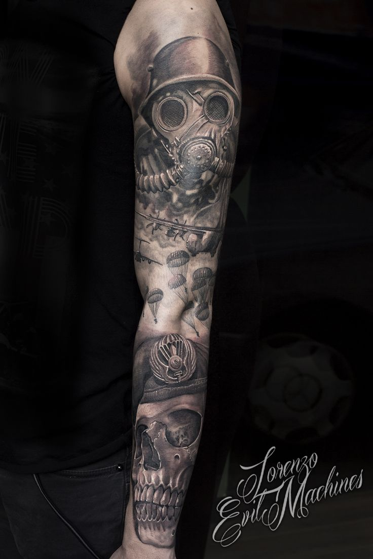Paracadutisti Folgore con Teschio e  Maschera Antigas  Folgore Paratroopers and Skull with Antigas Mask Realistic Black and Gray Tattoo by Lorenzo Evil Machines, Roma - Italia