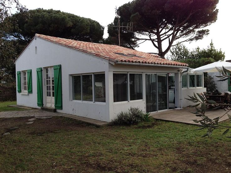 Ste Marie de Ré, Maison de vacances avec 3 chambres pour 7 personnes. Réservez la location 551373 avec Abritel. Maison Ile de Ré (Sainte Marie de Ré)