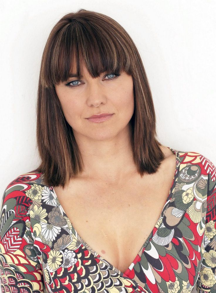 The Vogue, stylish and Sex Lucy Lawless ...Plush waist to hips ratio...
