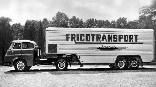 Nemzetközi forgalmú hűtőkocsi Csepel D705 félpótkocsival