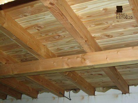 Panel de madera con n cleo aislante para cubiertas for Tejados de madera vizcaya