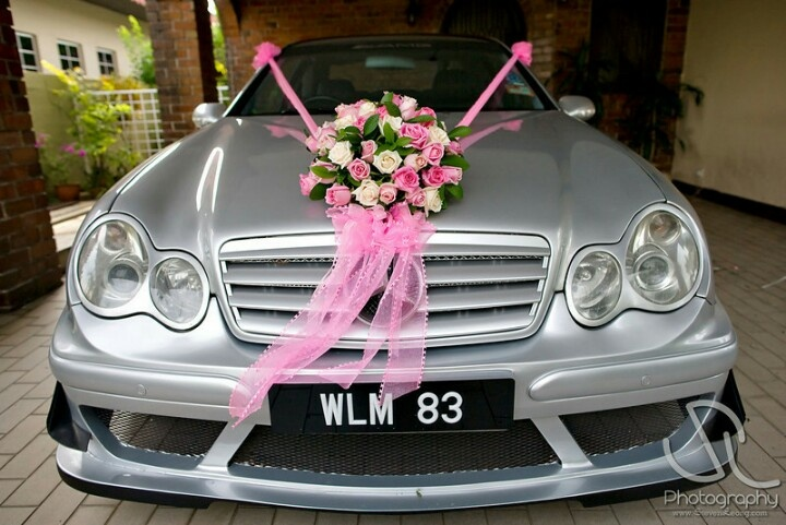 Pink and white wedding car ... Wedding ideas for brides, grooms, parents & planners ... https://itunes.apple.com/us/app/the-gold-wedding-planner/id498112599?ls=1=8 … plus how to organise an entire wedding ♥ The Gold Wedding Planner iPhone App ♥
