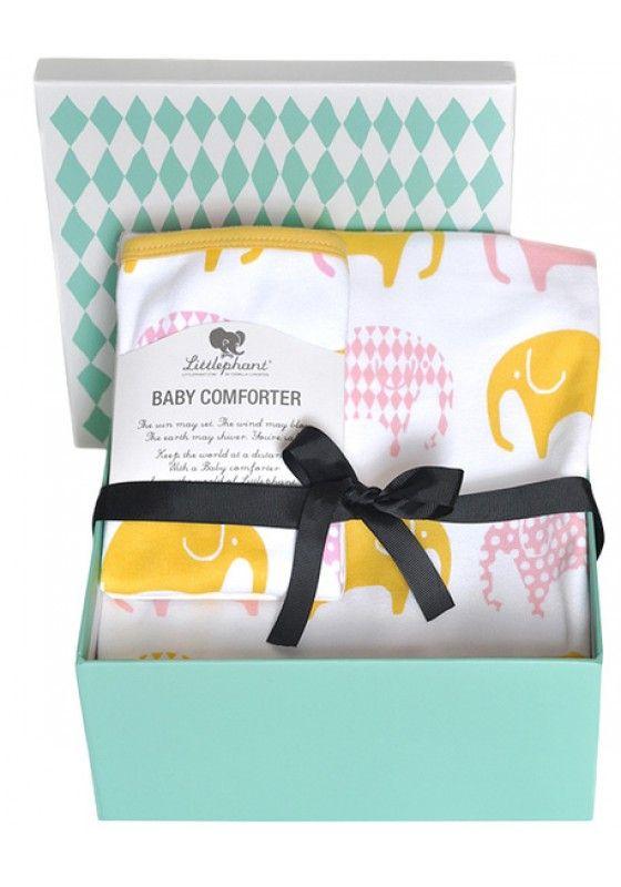 Mooi dekentje en doek als kraamcadeau.Roze en geel met olifantjes.