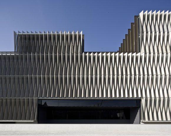 JA+U : Biomedical Research Centre by Vaíllo + Irigaray Architects